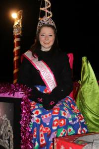 Canada's Perfect Jr. Teen 2014 - Haley Gelinas - nice and cozy under a blanket on the Canada's Perfect Pageant float.