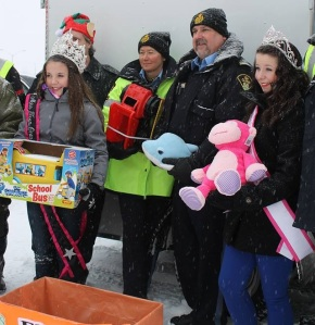 Haley - Canada's Perfect Jr. Teen 2014, with other volunteers at toy drive.